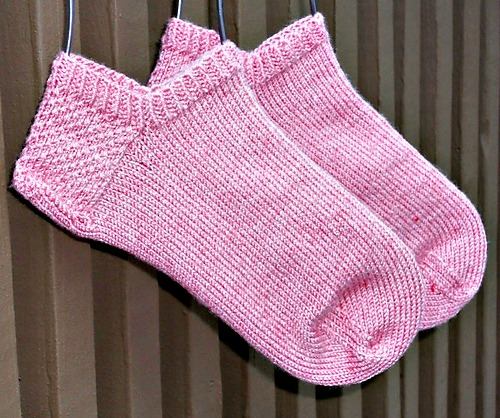 Pattern For Knitting Socks On 9 Inch Circular Needles : August 2013 Ewe University