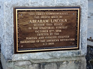 Plaque commemorating Abraham Lincoln's speech in Monmouth, Illinois on October 11, 1858